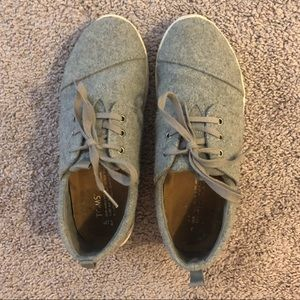 Women's Toms Sneakers